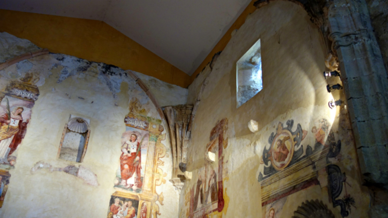 Frescos at Descalzos Viejos